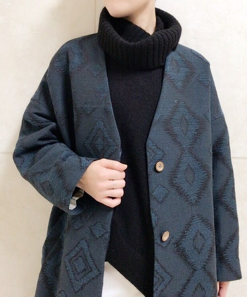 「キリム柄」のコート&スカートが入荷しました。アンティークな雰囲気でこの秋の主役に。