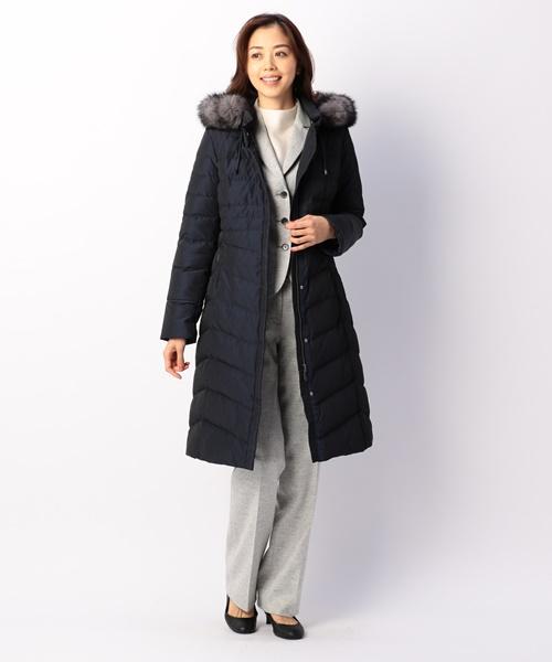 今季は定番ダウンコートに加えて、ややゆったりとしたデザインのウールコートなど幅広く展開しております。